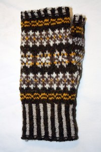 Peat Fingerless Mittens