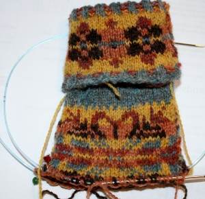 Corrie's Mitten with it's Autumn tones is the richest of the colourways - and one that wouldn't be easy for me to create, but once seen, - gorgeous!