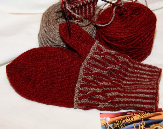 Birds Nest Brioche Mittens - will make a cap as well I think!
