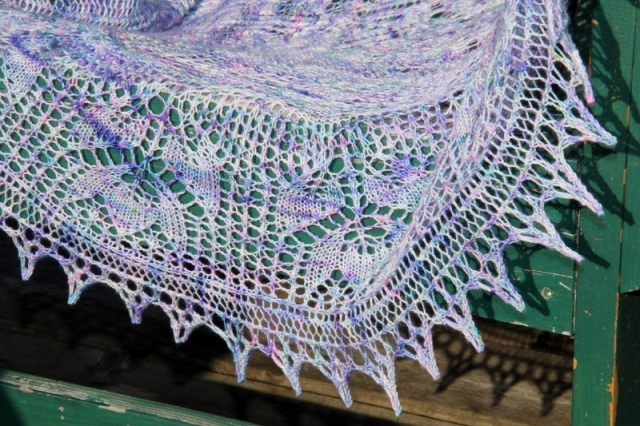 A little Teaser piece of the Tapestry shawl.