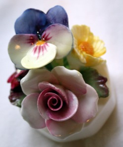 The first Aynsley floral!  Pansies are my favorite flower.