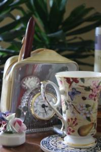Tea an flowers!